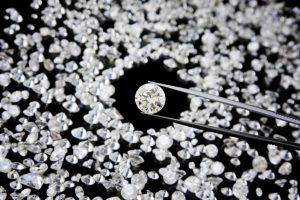 Diamond-in-tweezer_iStock_000011676856Small.jpg
