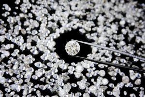 Diamond-in-tweezer_iStock_000011676856Small.jpg